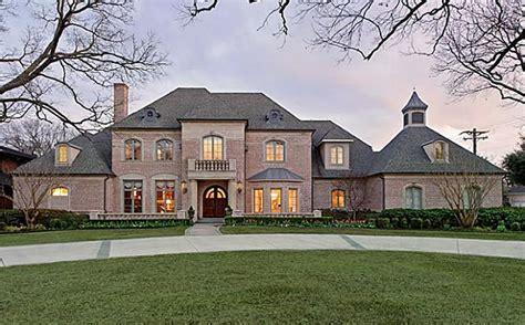 9 000 square foot home in prestigious preston hollow