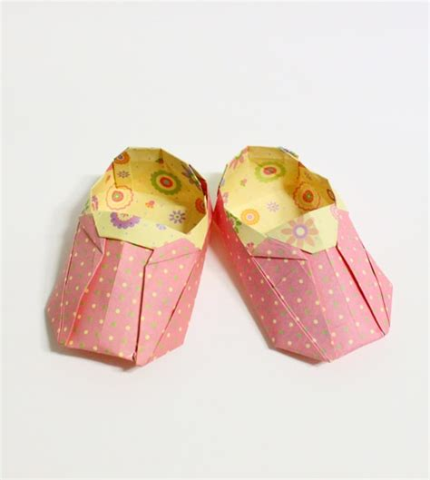 origami baby shoes if you don t these origami shoes then you probably