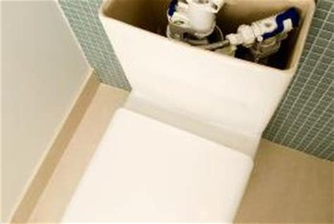 Duravit Toilet Water Level by How To Adjust The Ball In A Toilet Home Guides Sf Gate