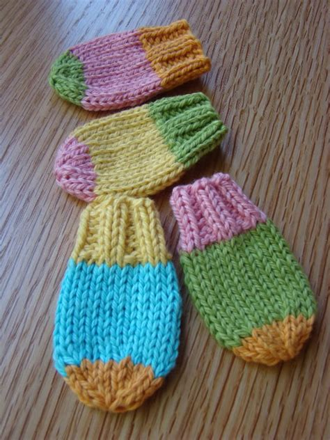 easy knit baby mittens free knitting pattern for easy baby mittens