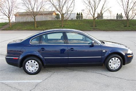Volkswagen Passat 2003 by 2003 Volkswagen Passat Gls 4d Sedan 5 Speed Manual