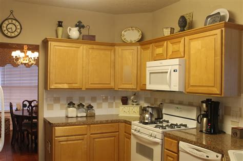 top kitchen cabinets decor rearranging the tops of my kitchen cabinets