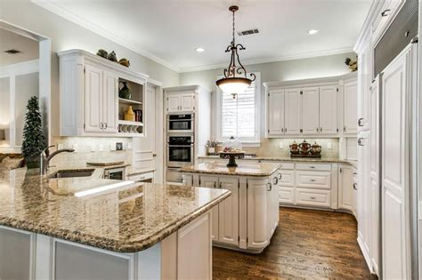 kitchen counters and cabinets 27 gorgeous kitchen peninsula ideas pictures designing