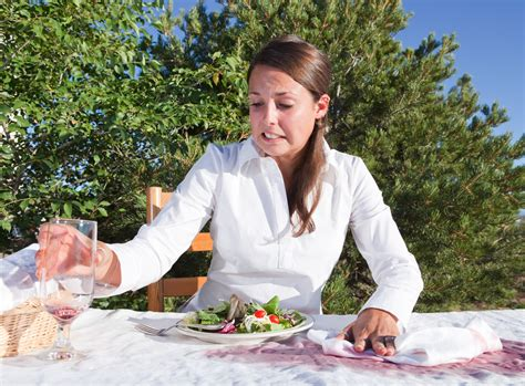 comment enlever une tache de vin sur une nappe