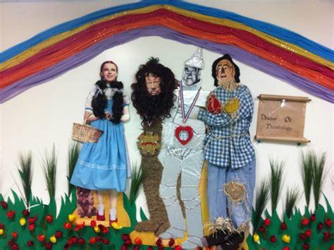 wizard of oz rubber sts strathcona tweedsmuir school