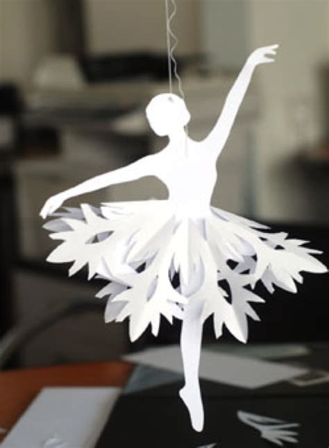 crafts with white paper pretty diy paper snowflake ballerinas for