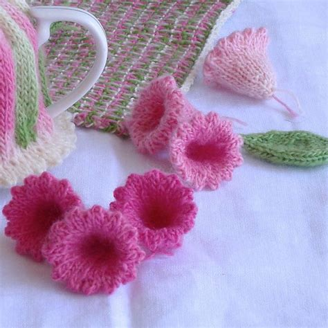 small knit community 15 best ideas about knitted flowers on knit