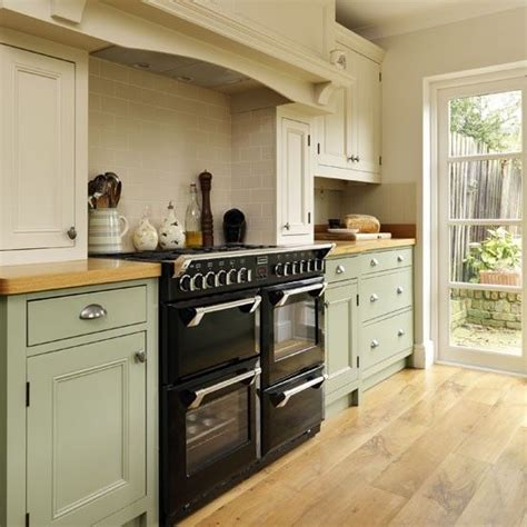 traditional kitchens traditional country kitchen ranges 25 best ideas about range cooker kitchen on