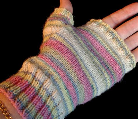 easy knit fingerless gloves the distracted domestic possible new obsession