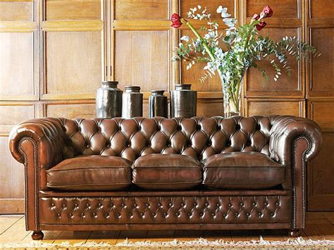 what is chesterfield sofa chesterfield sofas 5 reasons to own one