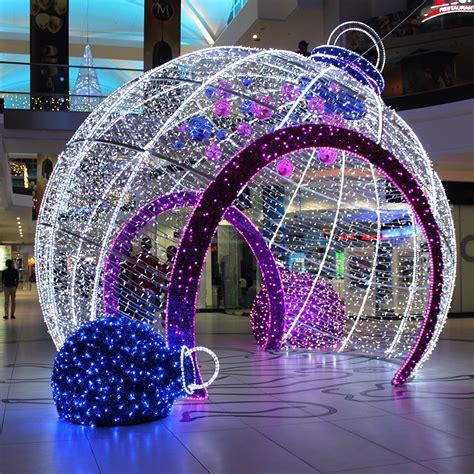 led baubles walk through 3d led bauble cresta shopping centre