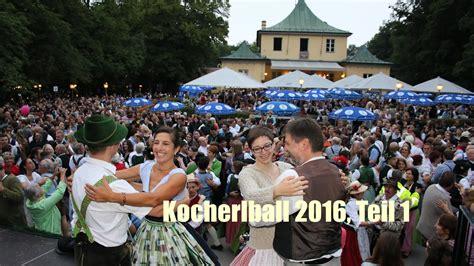 Englischer Garten München Kocherlball by 28 Kocherlball 2016 Chinaturm Im Englischen Garten Am