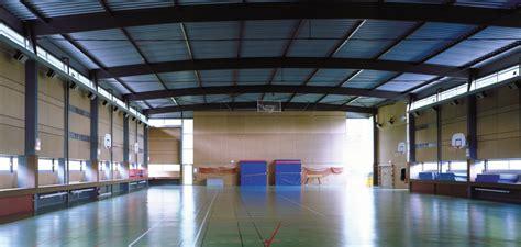 gymnase et des terrains de sports ext 233 rieurs fabienne g 233 rin jean architectes
