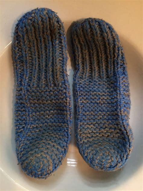 free knit slipper patterns beginners beginner s knitting slipper pattern identification