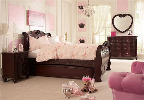 disney bedroom furniture disney princess cherry 6 pc sleigh bedroom disney