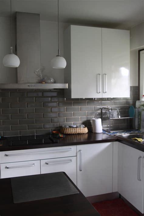 quelles couleurs aux murs pour une cuisine blanche et grise