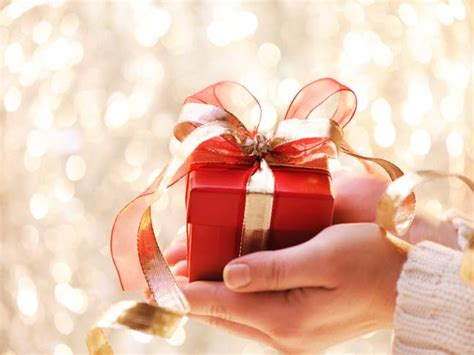 for to give as gifts gift giving etiquette