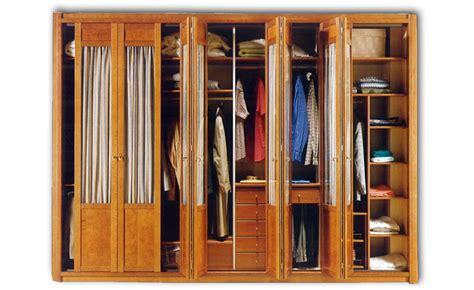 humedad en armarios empotrados los problemas de humedad tambi 233 n alcanzan a los armarios