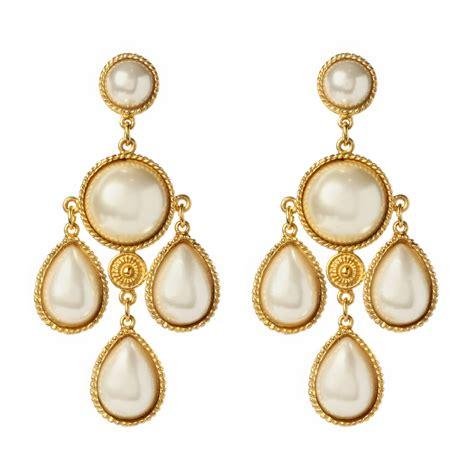 of pearl chandelier earrings chandelier pearl earrings 28 images asos asos faux