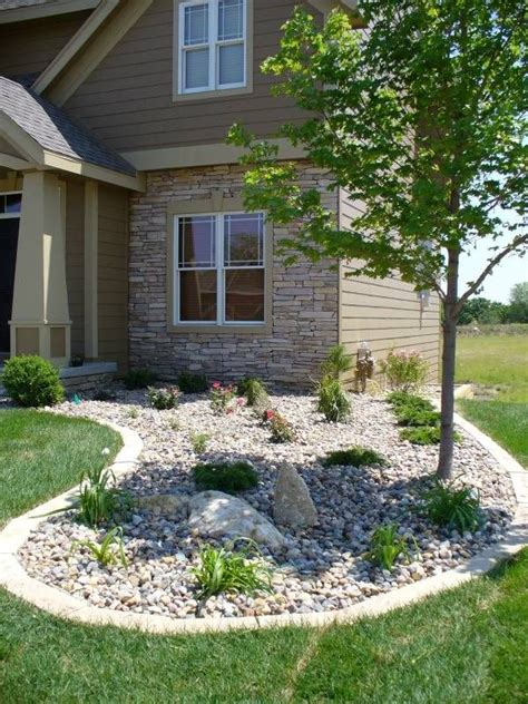 rocks for garden edging best 25 river rock landscaping ideas on