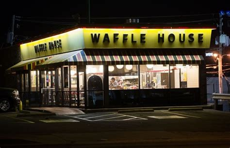 waffle house in virginia cook injured in waffle house shooting