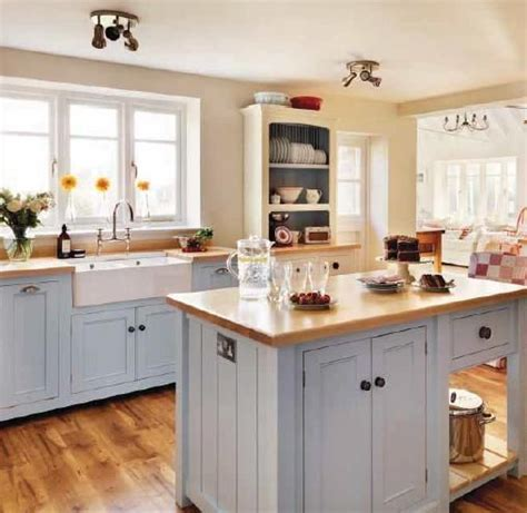 farmhouse kitchens designs 1000 ideas about small country kitchens on