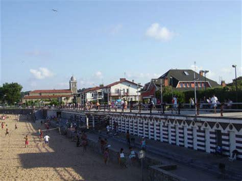 pisos de contactos en aviles playa de luanco en asturias