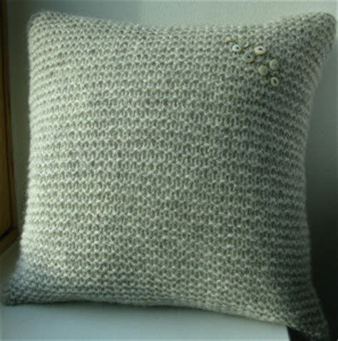 knitting pattern for cushion with buttons vintage button pillow cover allfreeknitting