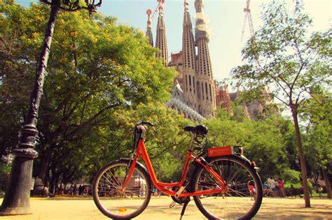 la bike hire republic rental bike at la sagrada familia in