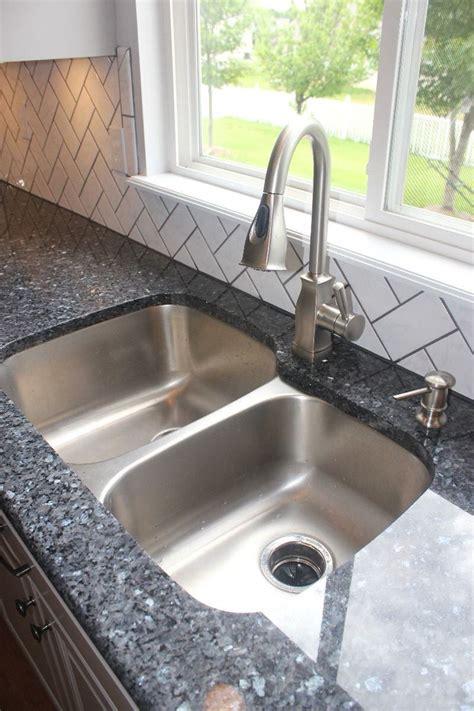 backsplash for blue pearl granite 25 best ideas about blue pearl granite on