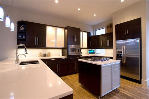 paint colors for a kitchen with brown cabinets kitchen paint colors with brown cabinets