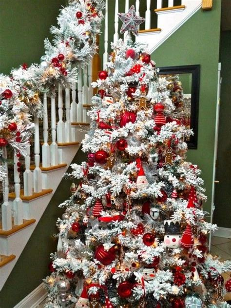 decorating a white flocked tree 1000 ideas about flocked trees on
