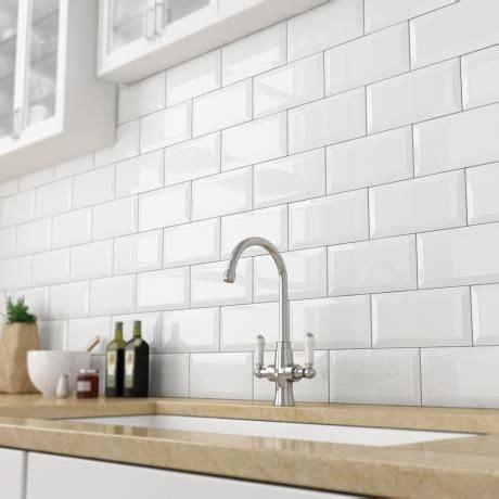 Old Bathroom Tile Ideas by Best 25 Kitchen Wall Tiles Ideas On Pinterest Grey