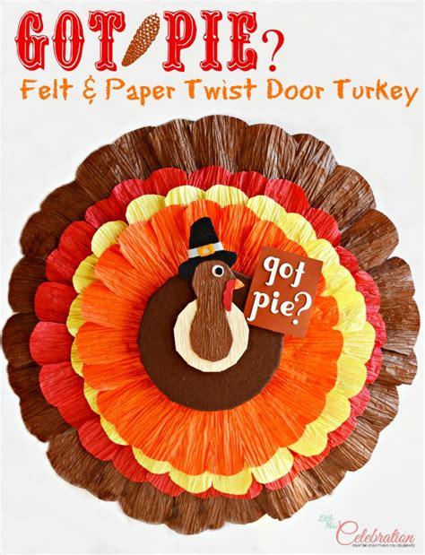 felt paper crafts autumn wreaths think crafts by createforless
