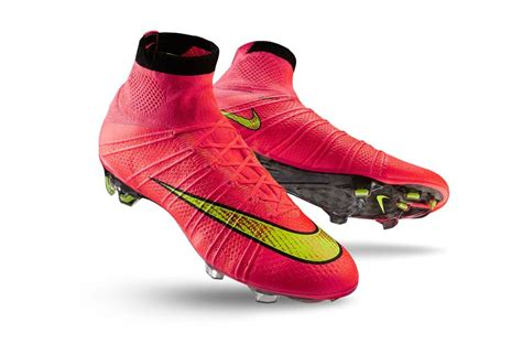 nike knitted football boots why nike flyknits are the football boots of the future