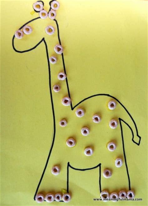 giraffe craft for cheerios giraffe family crafts