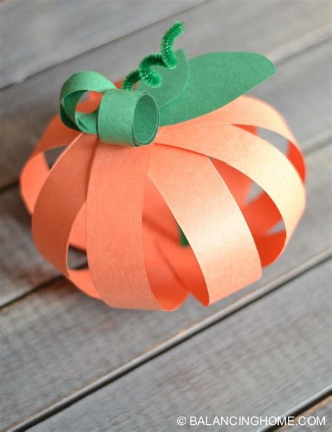 crafts using paper strips 1000 ideas about paper strips on paper