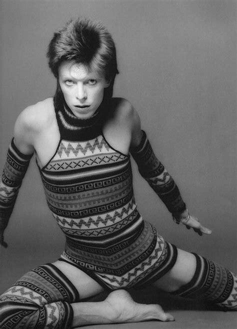 david bowie knitting pattern b w artsy photo of ziggy era david bowie in a clingy fair