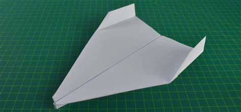 how to make origami airplanes that fly how to make a paper plane that flies far world s best