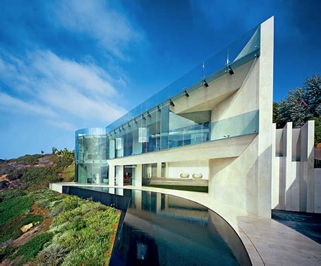 la house hover houses 12 cliff clinging homes with a view urbanist