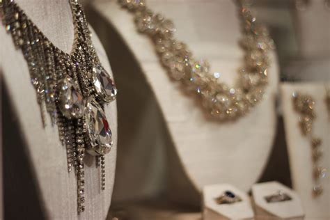jewelry chicago best boutiques where to buy jewelry in chicago