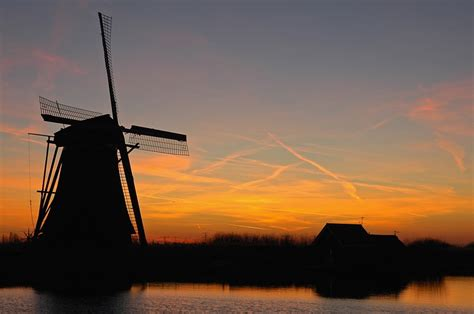 pictures of pictures of windmills at kinderdijk