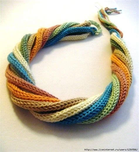 knitting jewelry 25 best ideas about knitted necklace on