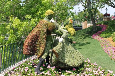 world best flower garden top 5 disney world character couples in topiary at the