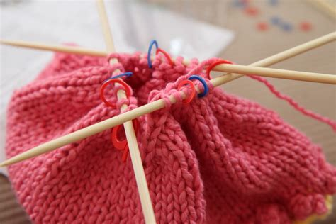 how to knit in the with needles a craftsy dpn pointed needle knitting tutorial
