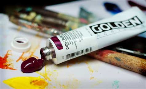 difference in acrylic paint quality what is the difference between artist quality vs student