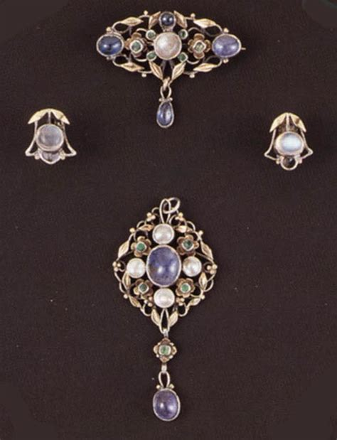 crafts jewelry arts and crafts jewelry
