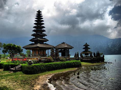 in bali balinese temples volunteer bali