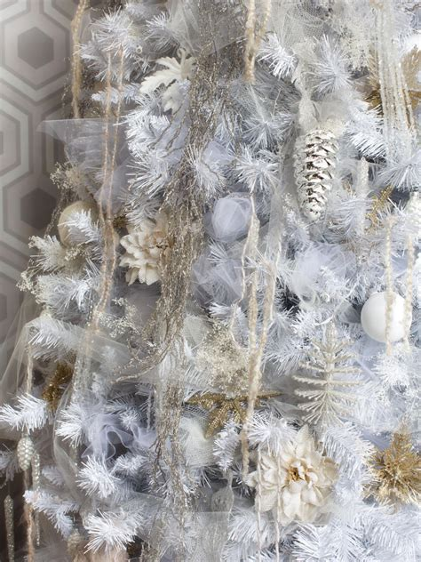 trees decorated in and white white tree decorating ideas easy crafts and