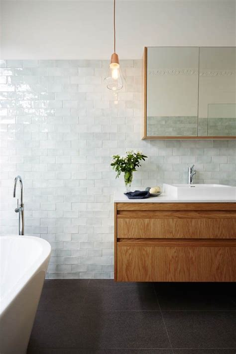 bathrooms with subway tile ideas best 25 subway tile bathrooms ideas on